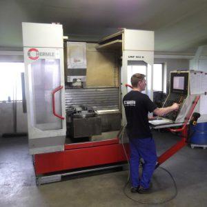 CNC-Universal-Fräsmaschine Hermle Mit 32-fach Wechsler