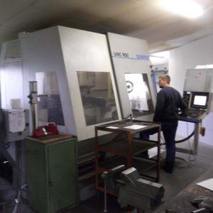CNC-Universal-Fräsmaschine Mit Wechsler