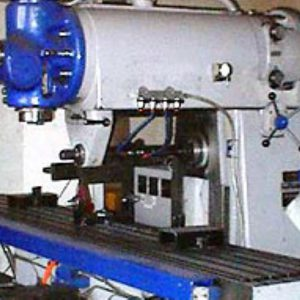 Fräserei - Universalfräsmaschine Verfahrweg 1800 Mm Drechselbankbette Fräsen